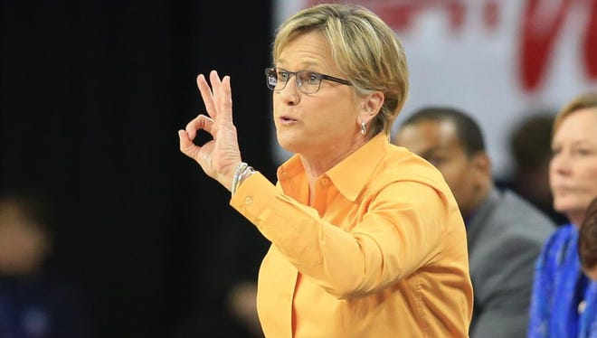 Tennessee coach Holly Warlick calls a play during against Ohio State.