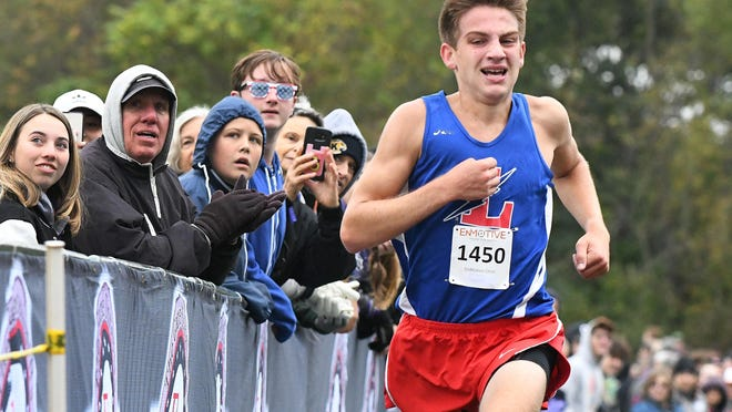 Lake's Nathan Moore, pictured here during last year's Federal League meet, won his race Saturday at the Claymont Early Bird Invitational by almost 55 seconds.
