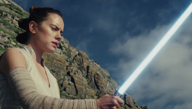 "Star Wars fans react to the hint that Rey might turn to the dark side in ""The Last Jedi"" movie trailer."