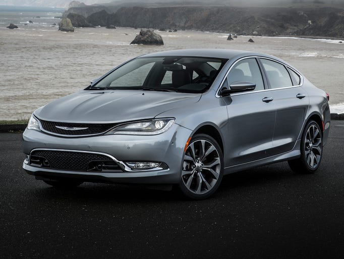 With the choice of two world-class engines, an innovative all-wheel-drive system, available sport mode and paddle shifters for an engaged driving experience, and estimated highway fuel economy of 36 miles per gallon (mpg), the all-new Chrysler 200 makes the commute something drivers will look forward to.