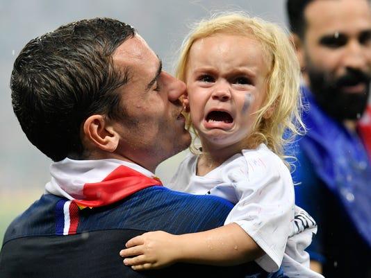APTOPIX_Russia_Soccer_WCup_France_Croatia_55563.jpg