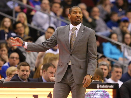Butler Bulldogs head coach LaVall Jordan signals during