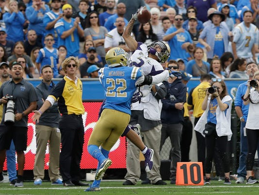 Washington_UCLA_Football_12864.jpg