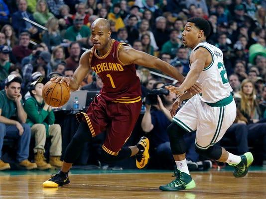 Cavaliers_3_Way_Trade_Basketball_NY154_WEB712007