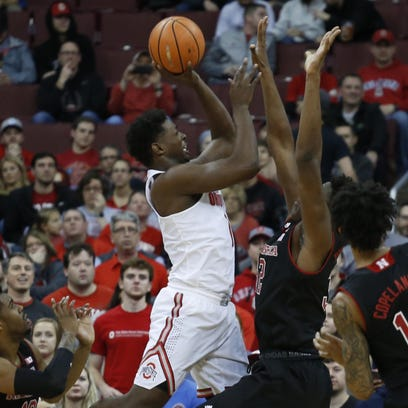 Monday's college basketball: Ohio State wins again