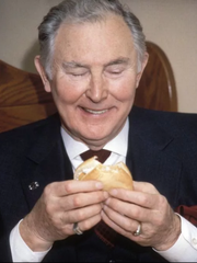 Lou Groen invented the fast food fish sandwich in the 60s.