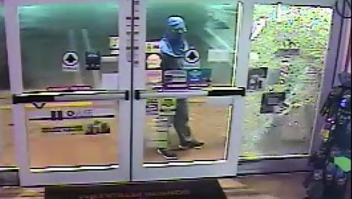 Two suspects fail to break impact-resistant glass in Port St. Lucie