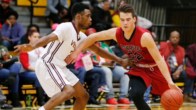 Pewaukee's Jack Gohlke (right) is the area player of the week.
