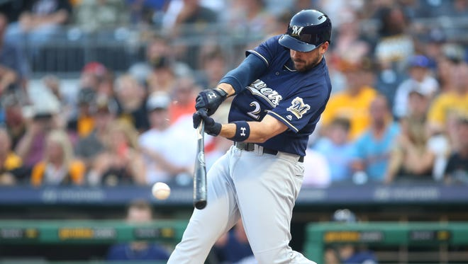Travis Shaw is batting nearly .300 with the Brewers this season.