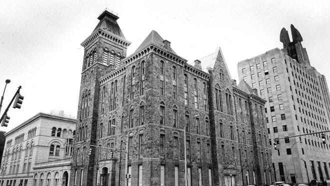 Old Rochester City Hall at Broad and Fitzhugh streets in a 1982 photograph.