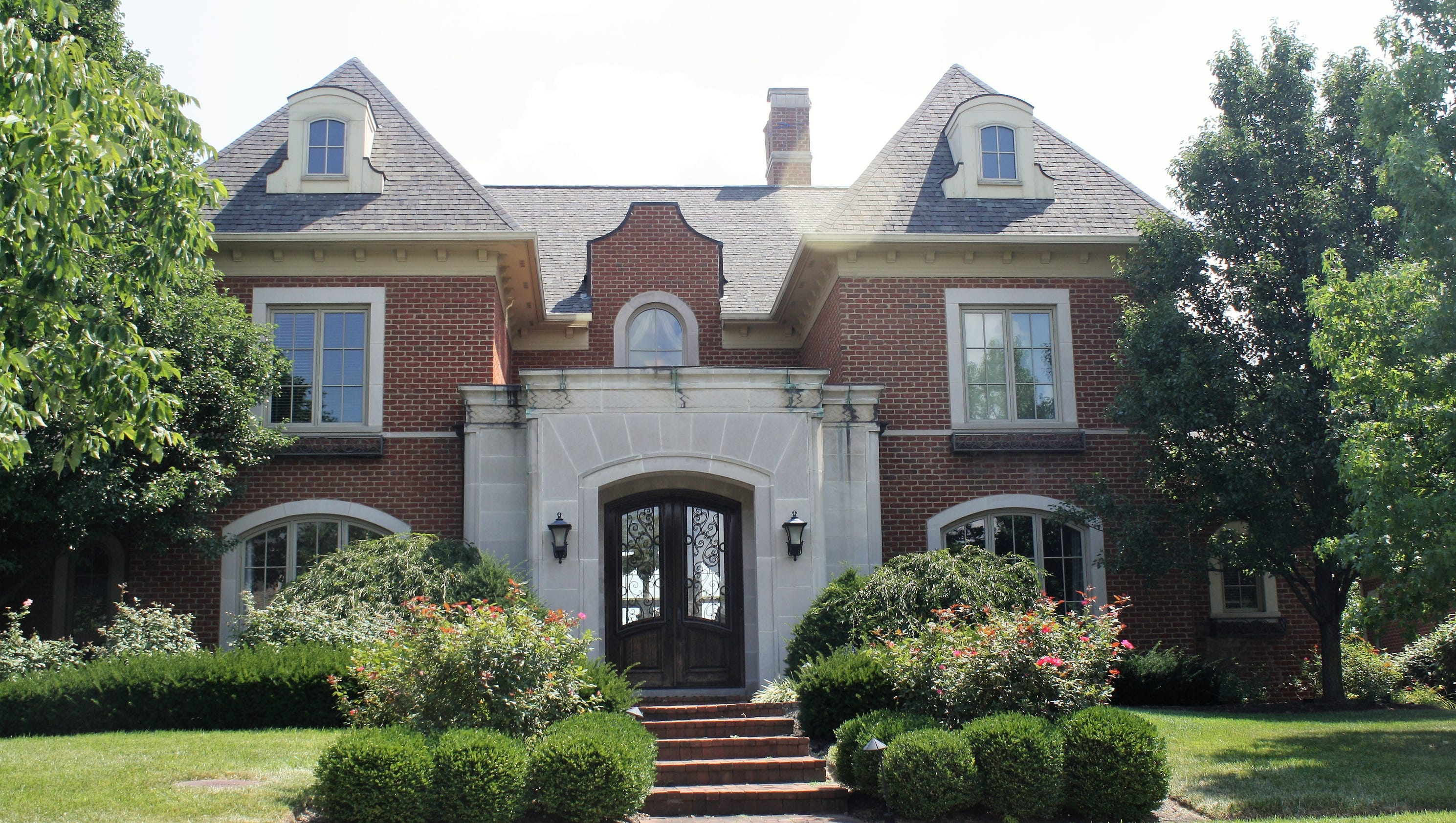 Feds Mason Family Bought Home Bentley With 2 9m From