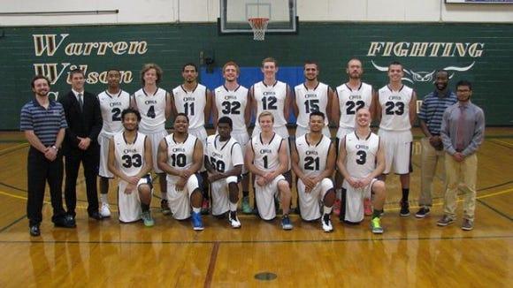The Warren Wilson men's basketball team.