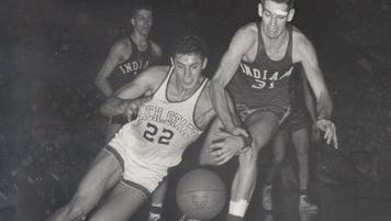 Al Ferrari (22) was a three-time MVP for MSU's basketball team from 1952-55. He died Monday in St. Louis at 82 years old.