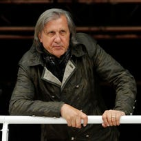 Ilie Nastase issues apology for remarks about Serena Williams