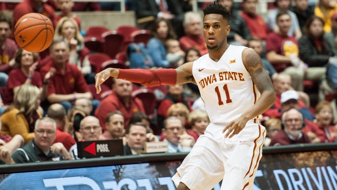 Iowa State guard Monte Morris (11) delivers a pass during the first half against the Chattanooga.