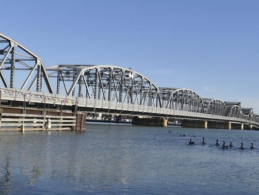 636482614615873613-DCA-1209-michigan-street-bridge.jpg