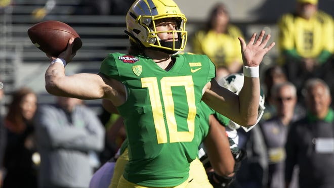 Oregon quarterback Justin Herbert will be considered by the Miami Dolphins.