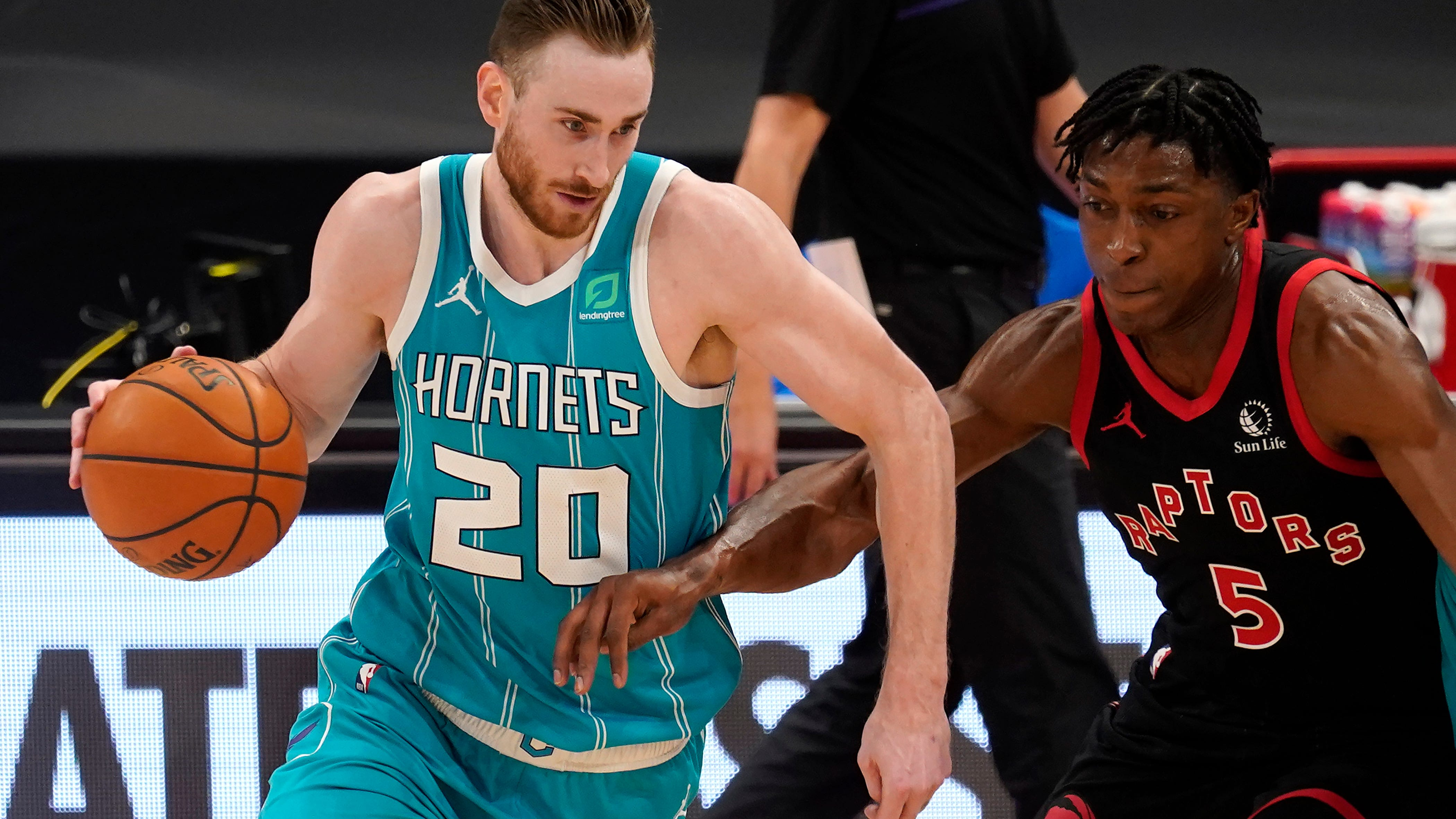 The Hornets were interested in signing Gordon Hayward (20) during the free agency period because of his ability to make plays off the dribble and in transition.
