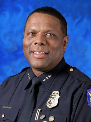 Kevin Robinson, Phoenix police commander. (2010 file photo)