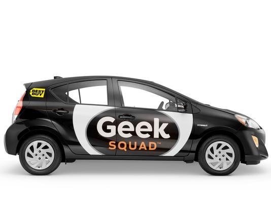 635957321774337975-Geek-Squad-Prius-c-040616.jpg