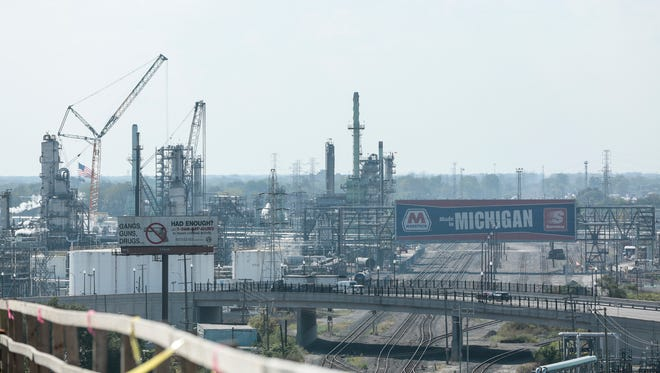 The Marathon refinery from the top of the I-75 Rouge River bridge.
