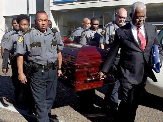 636459304742770975-funeral18.jpg