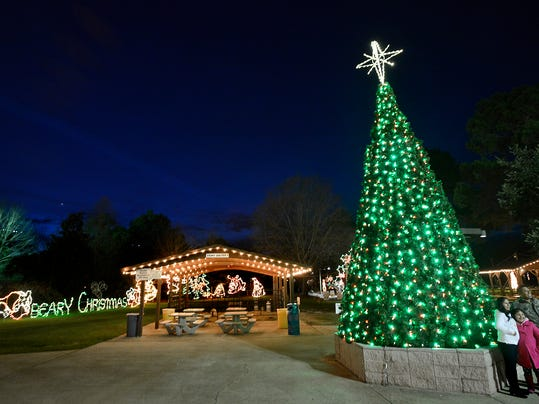 Montgomery Zoo gets ready for Christmas Lights Festival