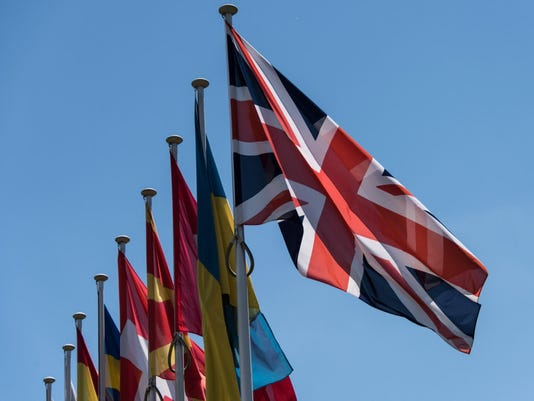 EPA EPASELECT FRANCE EUROPE POLITICS COUNCIL OF EUROPE POL TREATIES & ORGANISATIONS REFERENDA FRA