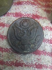 The U.S Air Force button, presumably belonging to Belmar