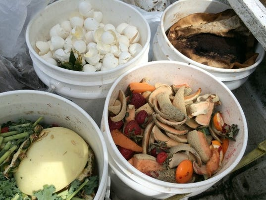 636519758814227100-2018.01.18-food-waste-buckets-by-Molly-Jameson.jpg