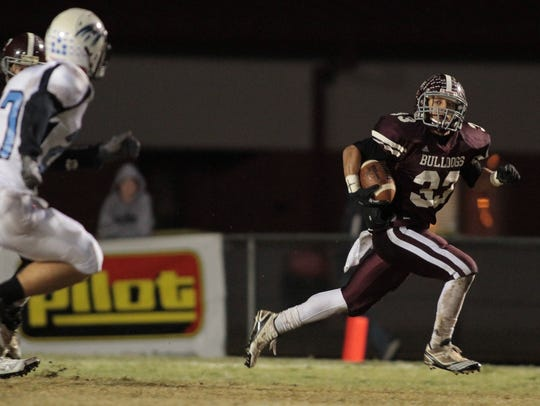 Bearden's Devrin Young, right, finds an open field