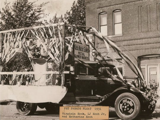 Pet Parade Float 1931 Virginia Koch, LJ Koch Jr., and Katherine Koch / Courtesy of the West Side Nut Club