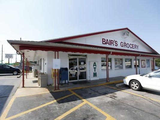 636045194372750147-bair-s-grocery.jpg