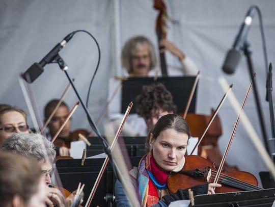 Muncie Symphony Orchestra performs at ArtsWalk 2015.