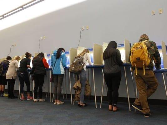 636166331291556176-UWM-voters-Nov.-8-2016-Pat-Robinson.JPG