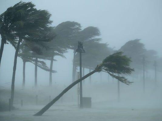 636406905571971054-hurricane.jpg