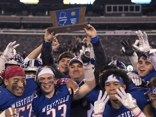 636480831202758230-Westfield-and-coach-Jim-Desarno-pose-With-N2V-trophy-11-30-17.jpg