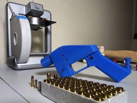 636686553277118548-3Dguns.jpg