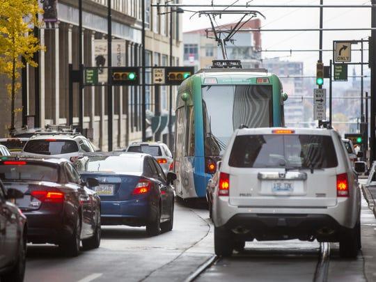 November 23, 2016: Cincinnati Bell Connector, Streetcar, Cincinnati, Liz Dufour