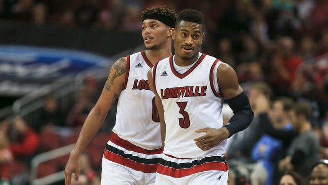Louisville's Damion Lee and Trey Lewis combined for 39 points with 11 rebounds in the Cardinals 89-61 win over North Florida.