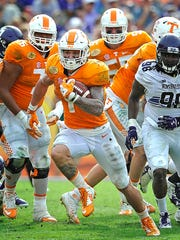 Tennessee running back Jalen Hurd (1) breaks away from the crowd in the Outback Bowl on Jan. 1, 2016.