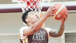 Gerald Green goes for the dunk during the 94 Feet of Game exhibition match with NBA players J.R. Smith and Green held at Father Duenas Memorial School's Phoenix Center on July 31.