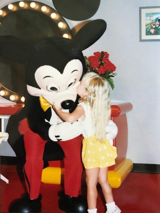 636462551150494459-Mickey-Laurie-Disney.jpg