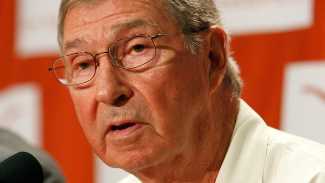 The job status of University of Texas men's athletics director DeLoss Dodds has been the subject of conflicting reports this week.