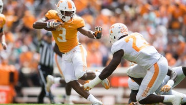Tennessee Vols spring game: Run game, Jarrett Guarantano fuel first-team offense to victory