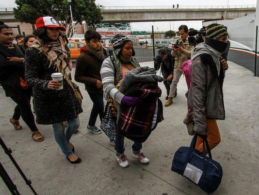 EEUU recibe nuevos pedidos de asilo de madres y niños de la caravana migrante