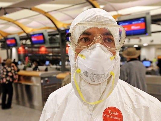 US_Ebola_Protest__dcurtis@news-leader.com_3