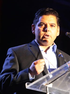 U.S. Rep. Raul Ruiz speaks at the Agua Caliente Cultural Museum's annual dinner in the Canyons on Oct. 10, 2015.