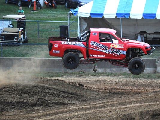 636380634681672835-02-zan-rough-truck.jpg