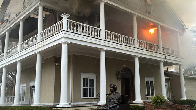 Fire at Commons Hall in Jackson, Miss.